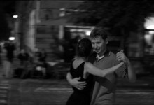 Plato - Ostravska tanga - lekce argentinského tanga ve vystave Michala Kalhouse Muz a zena